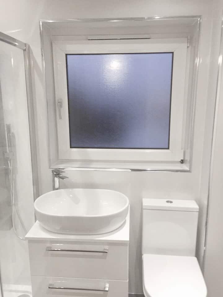 High Gloss White 3 Wall Shower Panel Kit | Igloo Surfaces