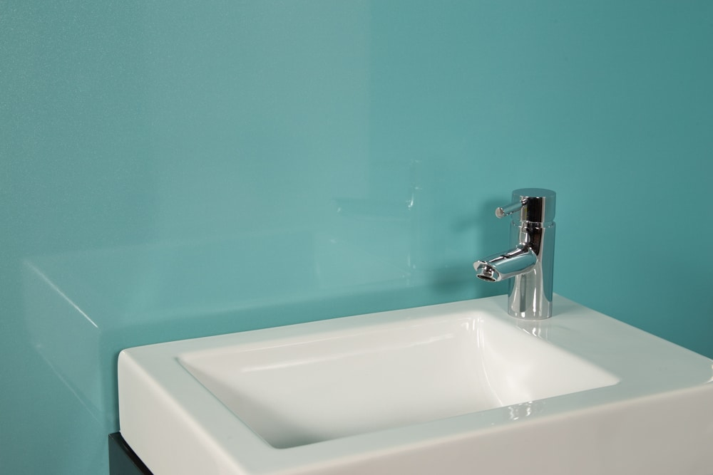 Aqua Shower Panel Kit (Single) | Igloo Surfaces