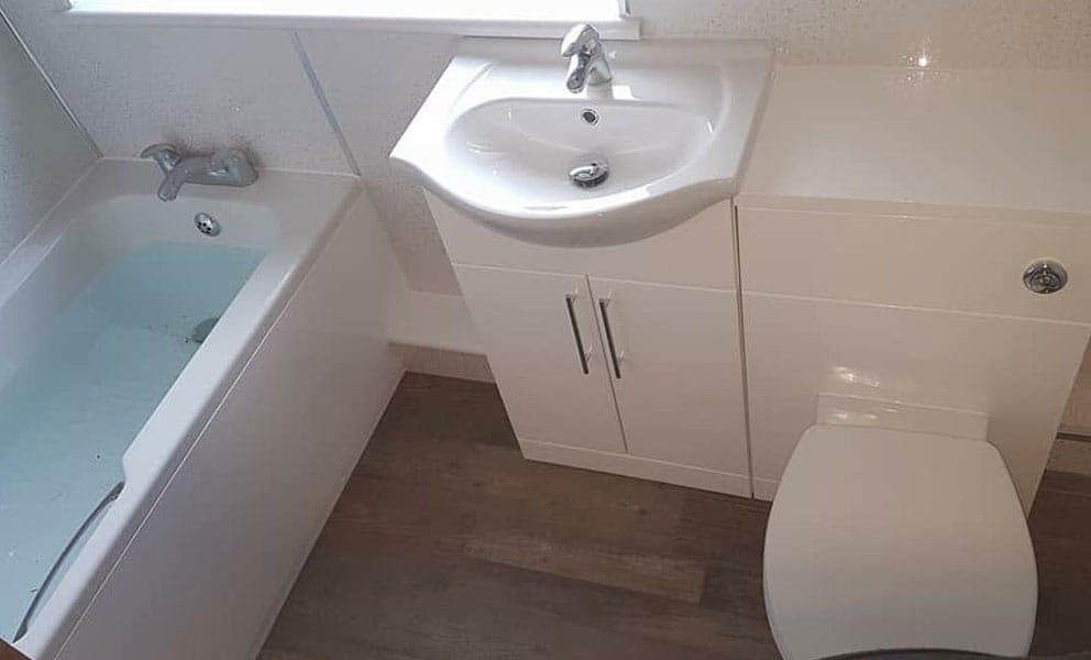 4 Bathroom Colour Ideas for Small Bathrooms
