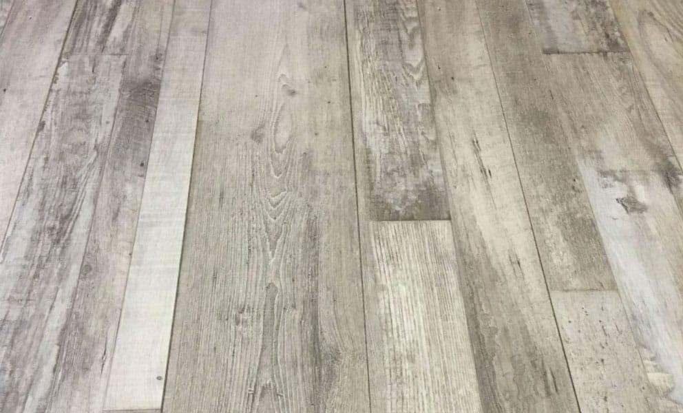 Creating a Wood Effect Bathroom Floor with Vinyl Panels