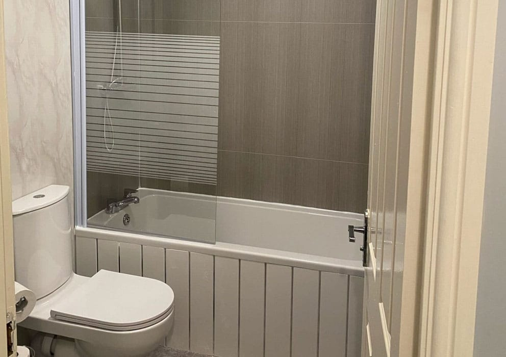 A Guide to Bathroom Wall Panel Sizes